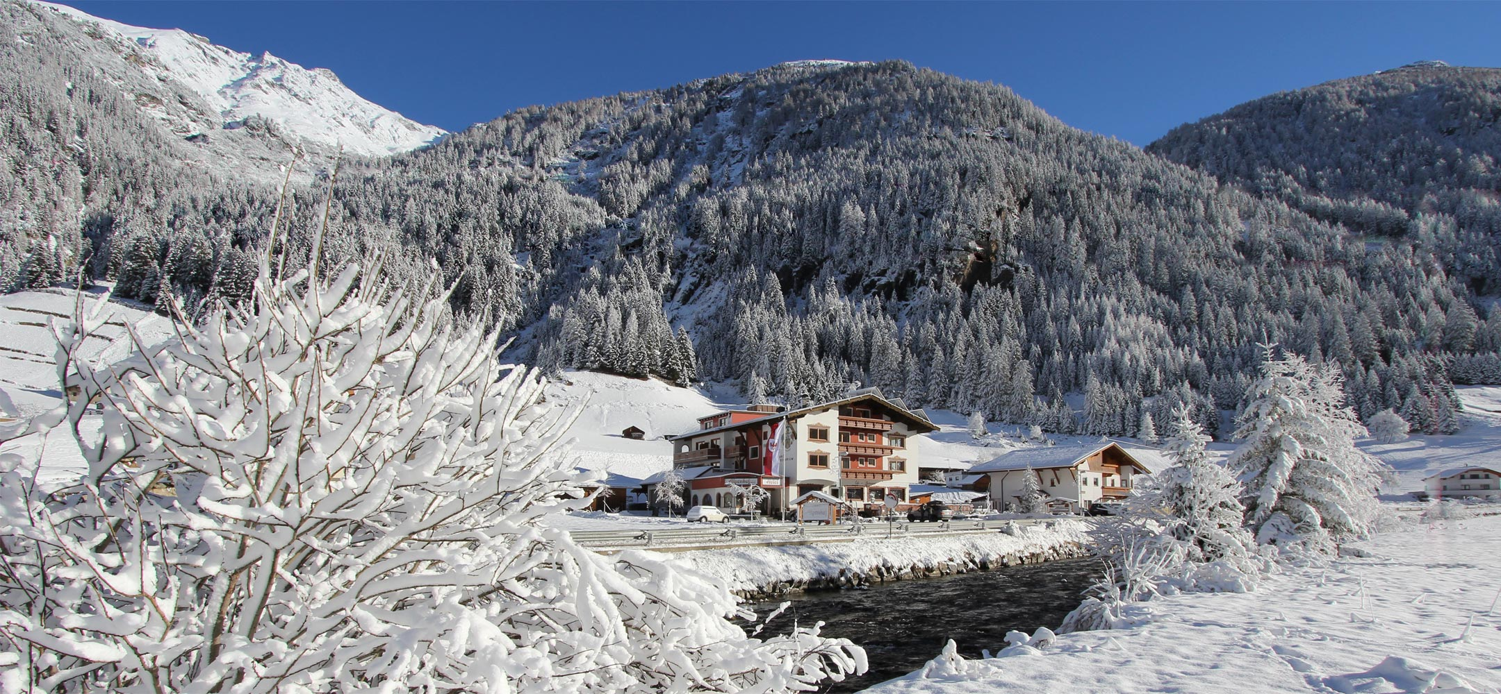 Welcome to the Hotel Alpenhof in the Pitztal